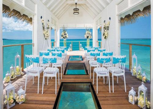 Wedding+Chapel2.jpg