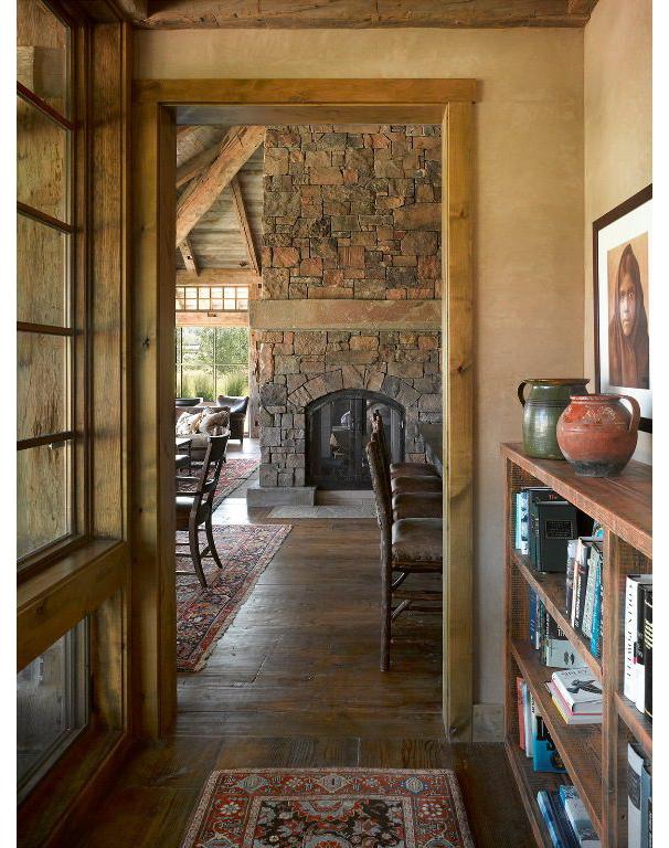 6-master-hallway-toward-living-room-fireplace-576x768.jpg