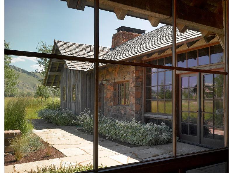 8-window-looking-outside-toward-media-room.jpg