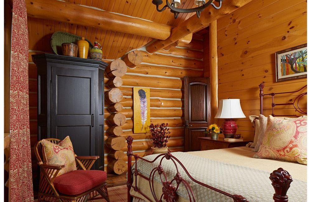 Lodge_guestbedroom1_lrg-1152x768.jpg