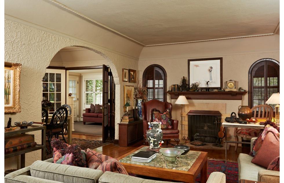 Kading_livingroom-v1_lrg-950x633.jpg