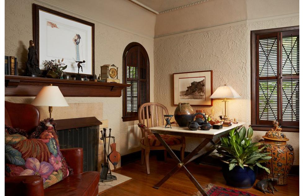 Kading_livingroom-v2_lrg-950x633.jpg