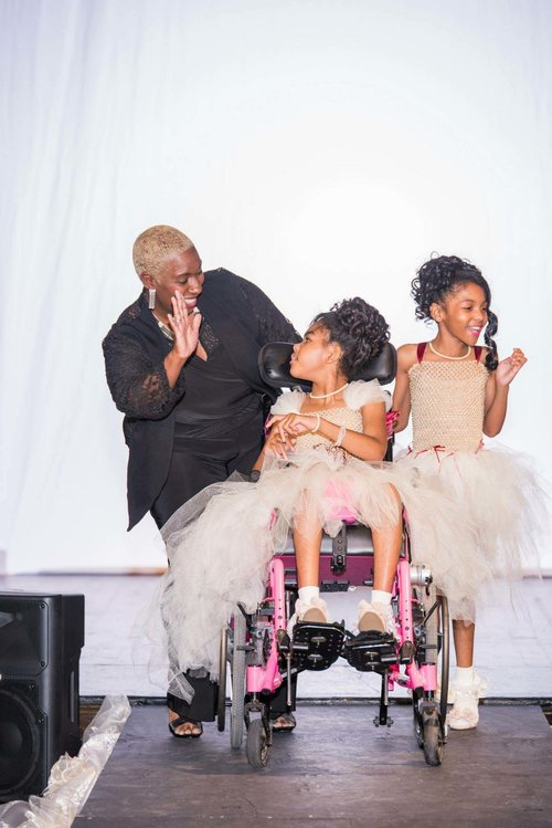 Fashion Without Limitations is a groundbreaking and runway shaking project developed by Ms. Indrea Gordon. Read about this amazing program and how you might even be able to participate in broadening its impact.