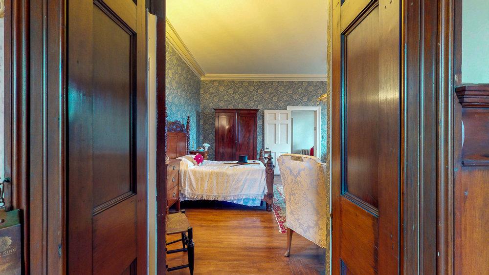 Ten-Broek-Mansion-12042018_122408.jpg