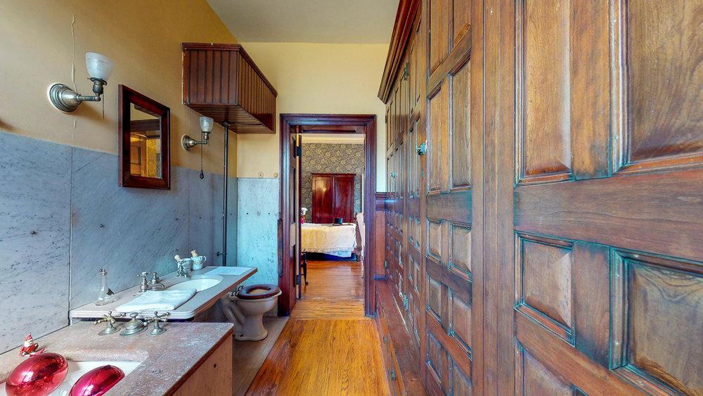 Ten-Broek-Mansion-12042018_122319.jpg