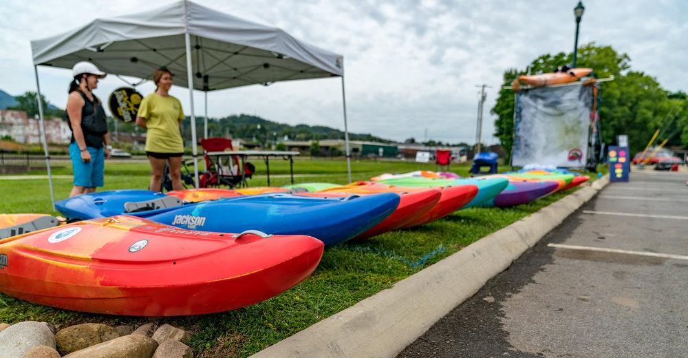 Jackson Action Wagon Kayak Demo