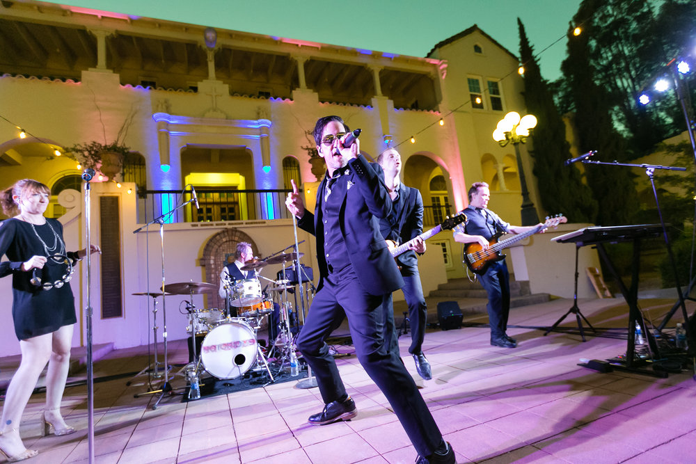 Hire Live Bands for Weddings