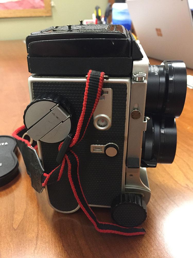 Mamiya C220 Camera 3.jpg