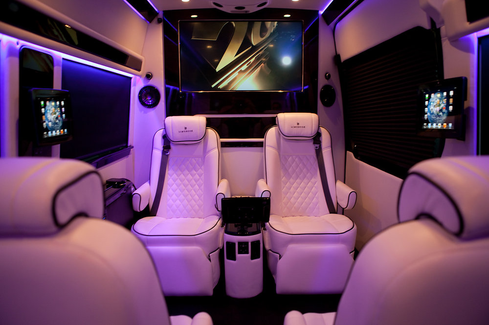 limobook-vancouver-luxury-transportation-service-mercedes-executive-van-02.jpg