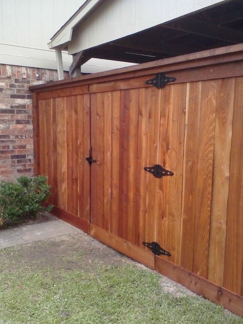 Stained Cedar with Top and Bottom Cap - Gate.jpg