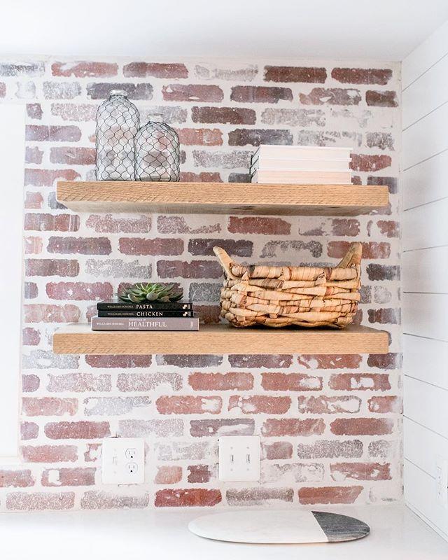"A brick backsplash using the ""German Smear technique."" (Thanks for the tip @ivylaneshop 😉) . . . . . 📷: @wearefreebird #interiordesign"