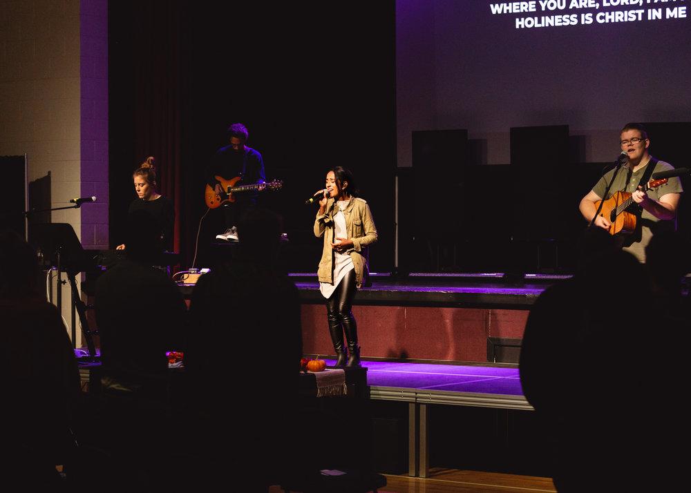 SUNDAY SETLIST - Unstoppable God (Elevation Worship)No Longer Slaves (Bethel Music)O Come To The Altar (Elevation Worship)Lord I Need You (Passion)Majesty (Kari Jobe)