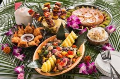 more luau food.jpg