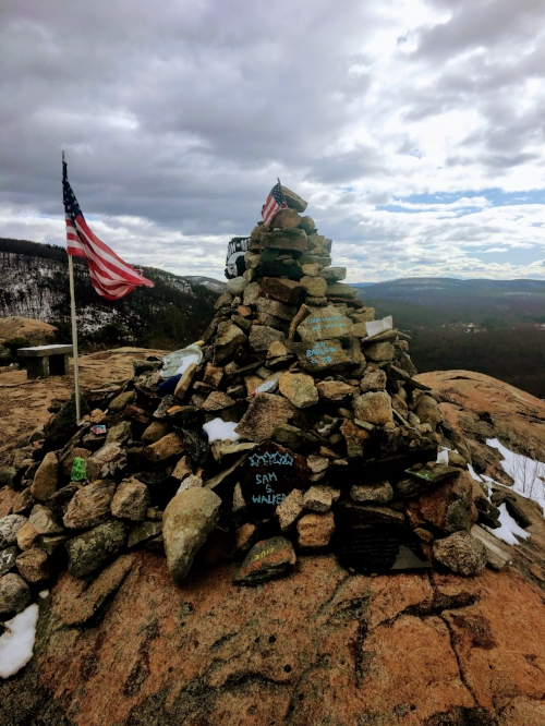 Cairn tribute