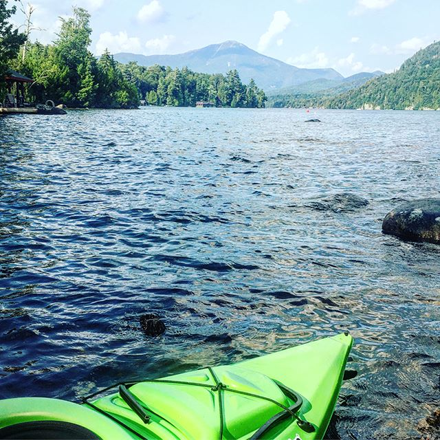 """My soul can find no staircase to Heaven unless it be through Earth's loveliness."" . . . #Lakeplacid #whitefaceclub #highpeaks #naturalnewyork #upstateny #iloveny #kayak #getoutdoors #newyorklakes #onthewater #lakelife #earth #michaelangelo"
