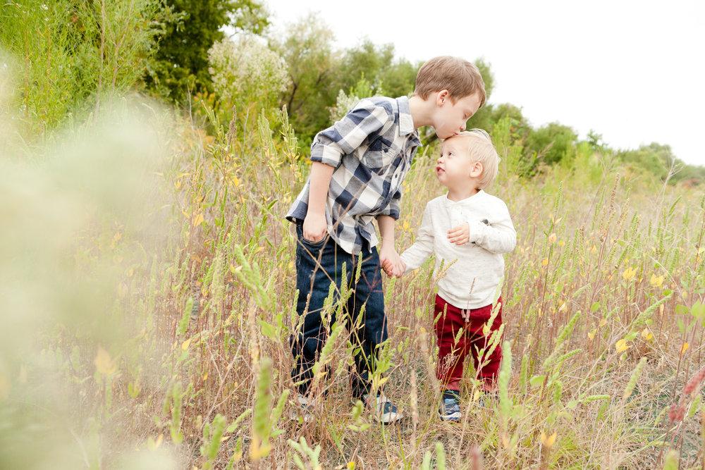 photo of siblings in field carrollton texas