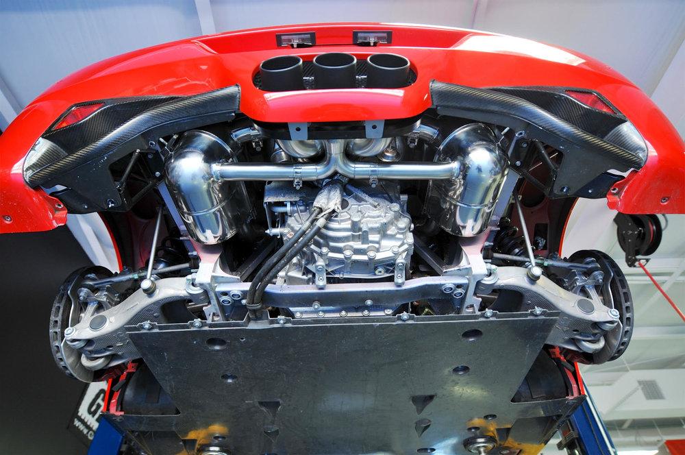 Ferrari 458 Exhaust and Carbon Fiberdiffuser install