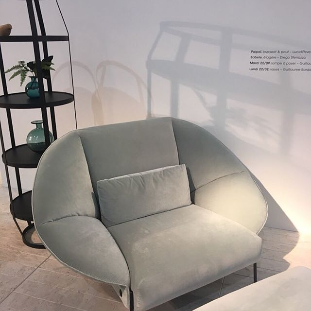 Still lusting after this chair I saw on the @ligneroset_fr stand at @maisonetobjet. Just look how cosy it is! The colour is beaut and it's also called PaiPai, I love it! Would have this in my reading corner anyway. Anyone else seen any cosy chairs that your listing after? . . . . . #cosy #interiors #lingeroset #paris #showroom #tradeshow #lusting #loveit #mutedcolours #subtle
