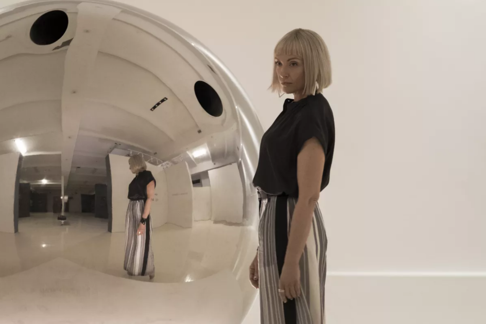 'Sphere scene' Toni Collette as Gretchen in  Velvet Buzzsaw  - Courtesy of Netflix