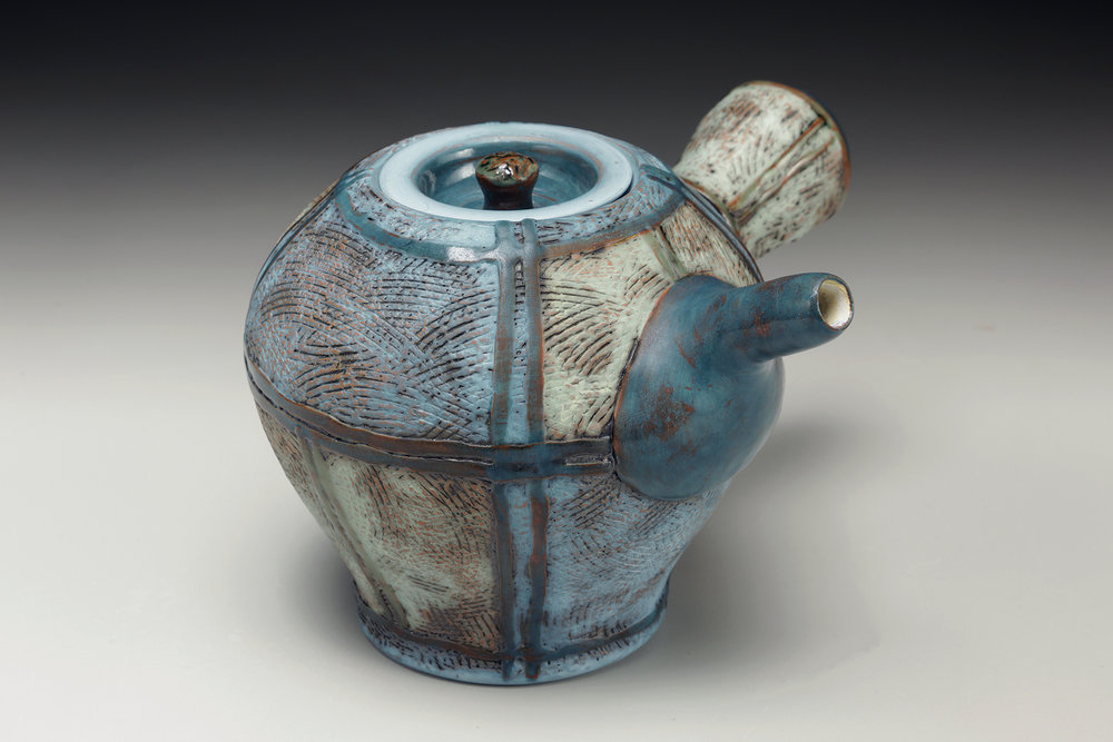 Amy Sanders side handle teapot.jpg