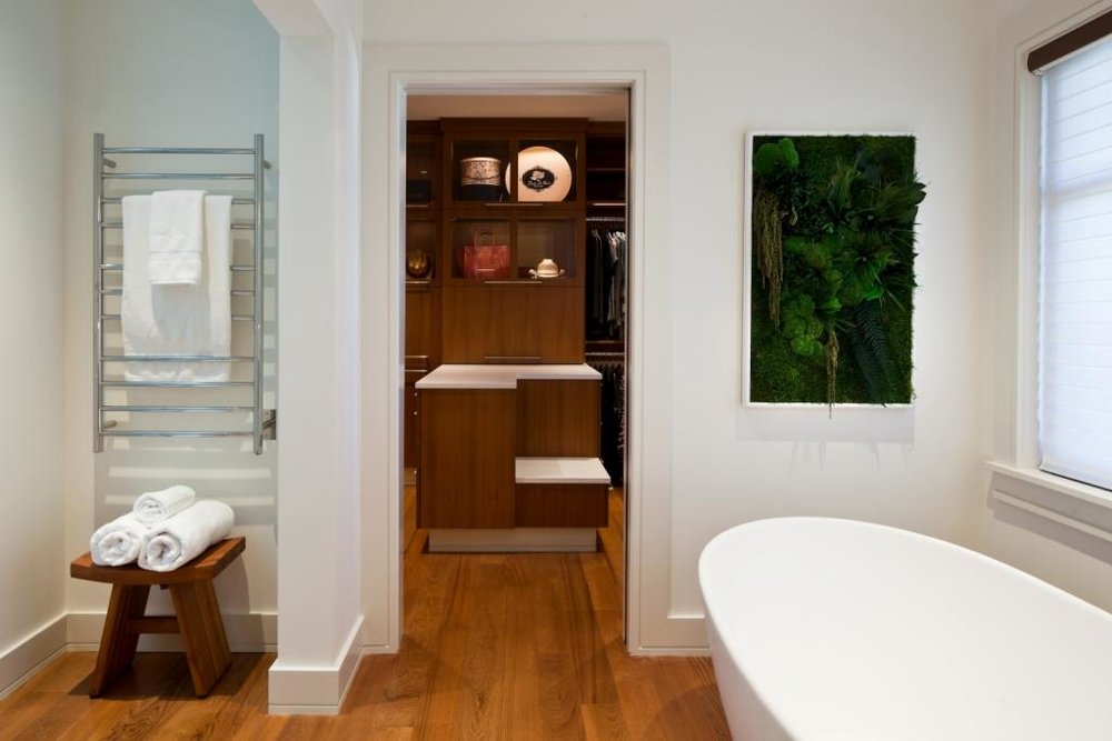 09 Master Bath and Closet.JPG