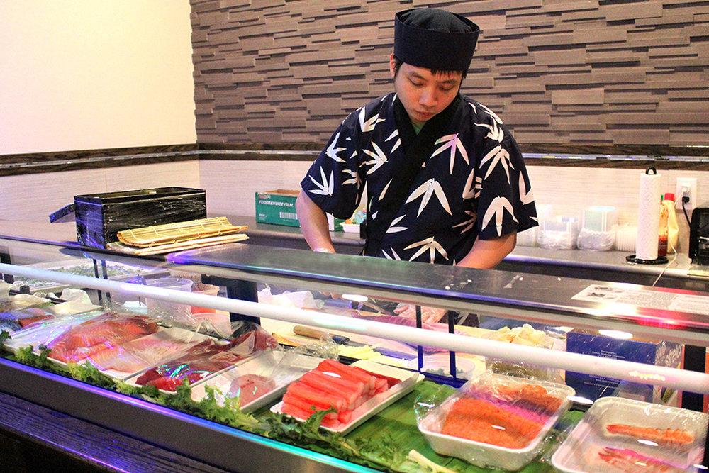Sushi Chef Tony Gao -