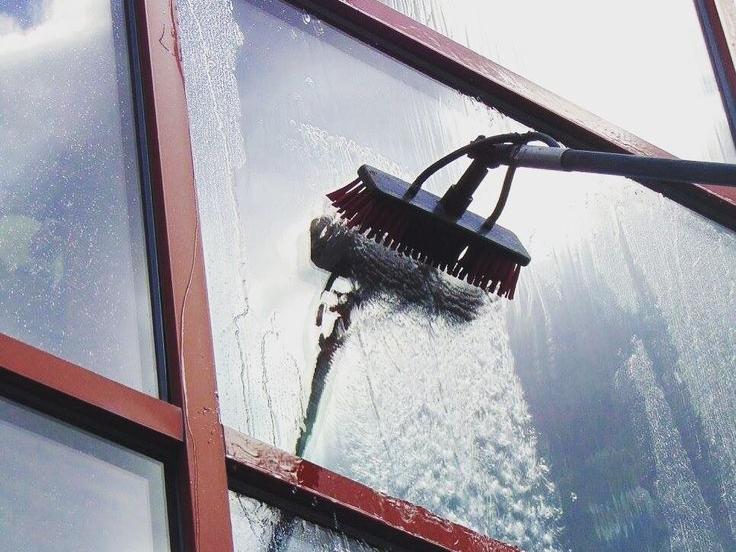 water fed pole.jpg