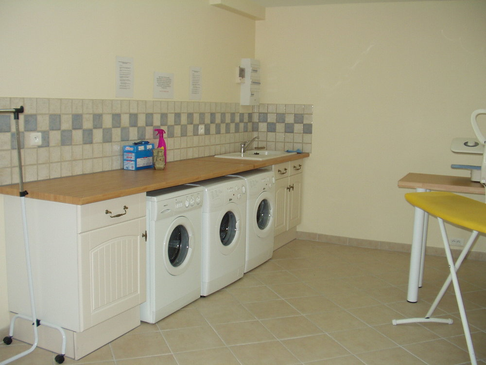 laundry   full laundry facilities are available in a separate building