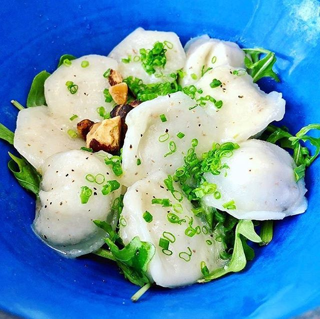 Swap the rainy day blues for a comforting bowl of wild vegan mushroom dumplings 🍄. Photo by @joesveganfoodgram