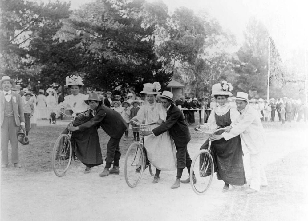 Women's Bike Race.JPG