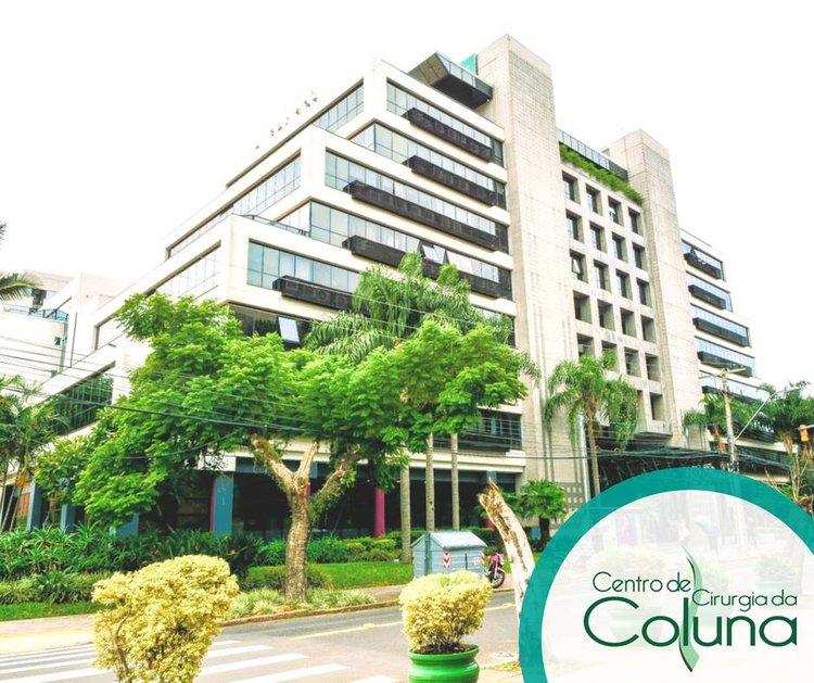 Dr+Ernani+Abreu+-+Centro+Clinico+Mãe+de+Deus-Porto Alegre-Centro de Cirurgia da Coluna.jpg