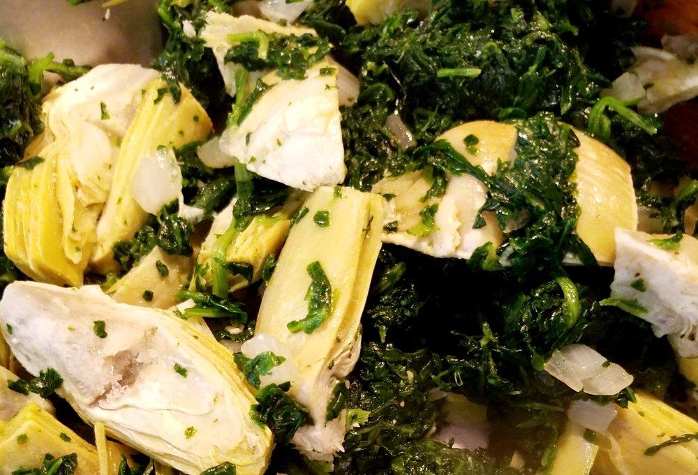 Roasted Garlic Spinach Artichoke Dip