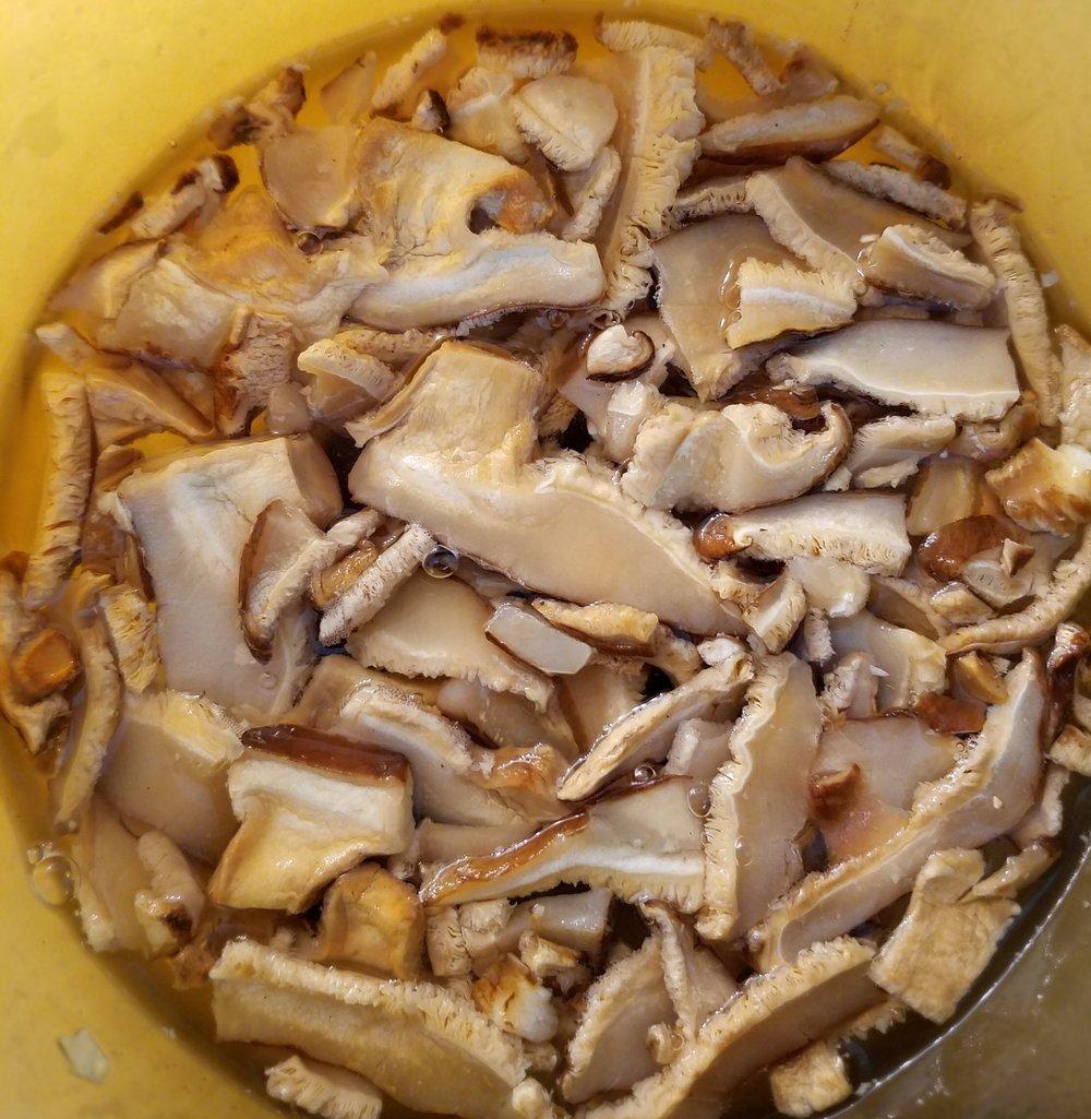 Dried Sliced Shiitake Mushrooms
