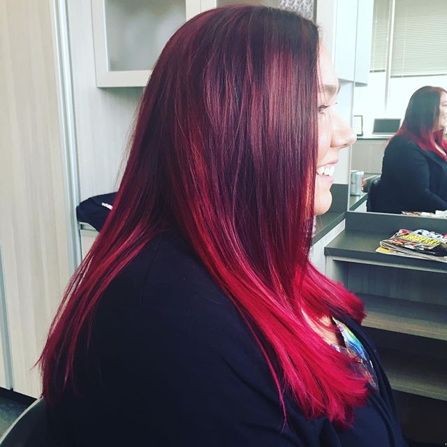 Love that Lindsey always lets me get creative with her hair!! #hairbypeyton #suitestylessalonep #solasalons #solasalonstwincities #edenprairie #edenprairiehairstylist #pinkhairdontcare #pinkhair #mplshair #mplshairstylist #edina #minnetonka