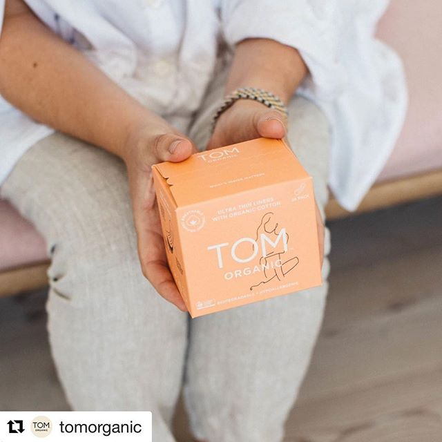TOMS Organic talk #Biodegradable - one of our favorite creatively sustainable brands! #Repost @tomorganic ・・・ Our pads are 100% biodegradable. This is important when we use up to 12,000 of them in a lifetime. They're also a fine addition to any handbag, or accompaniment to your bathroom in our beautiful recyclable boxes. ♻️ Pic by @venusfeme