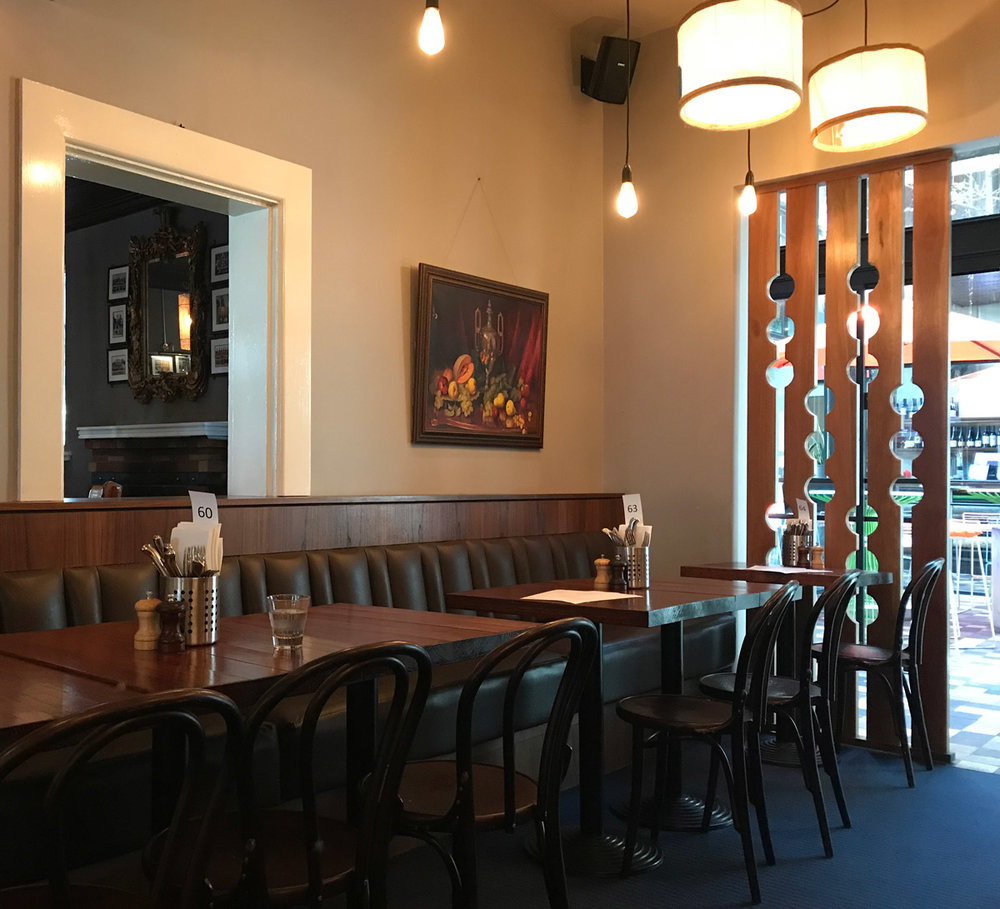 Prahran Hotel - Classic bentwood chairs & oil paintings