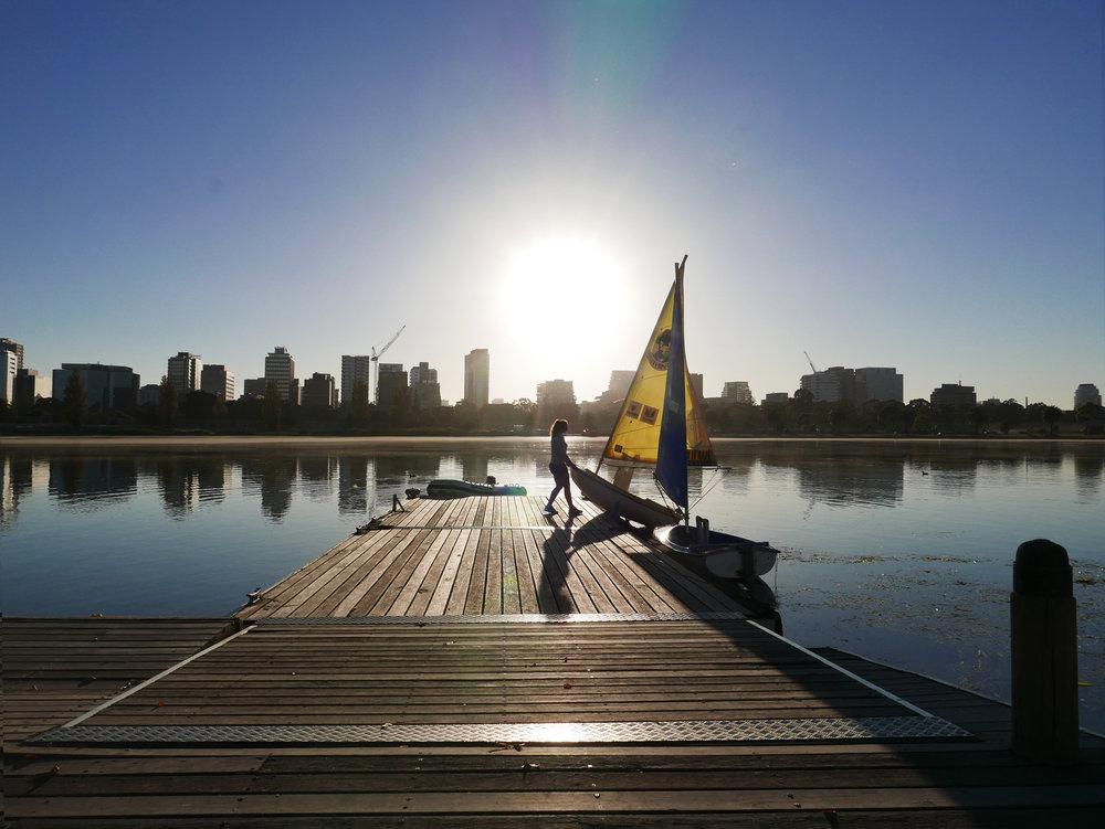 Sailing-sliding-boat-in-sunlight.jpg