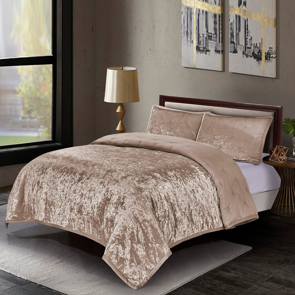 Mystique Velvet Gold Quilt Set