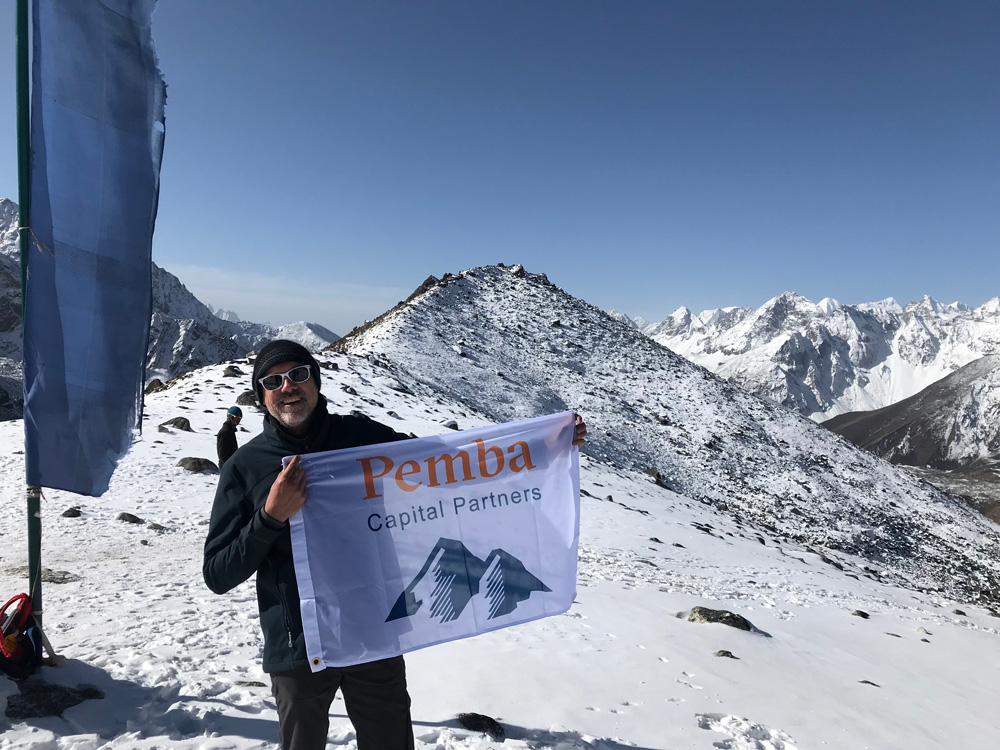 rick-verloop-mount-everest-pemba-flag.jpg