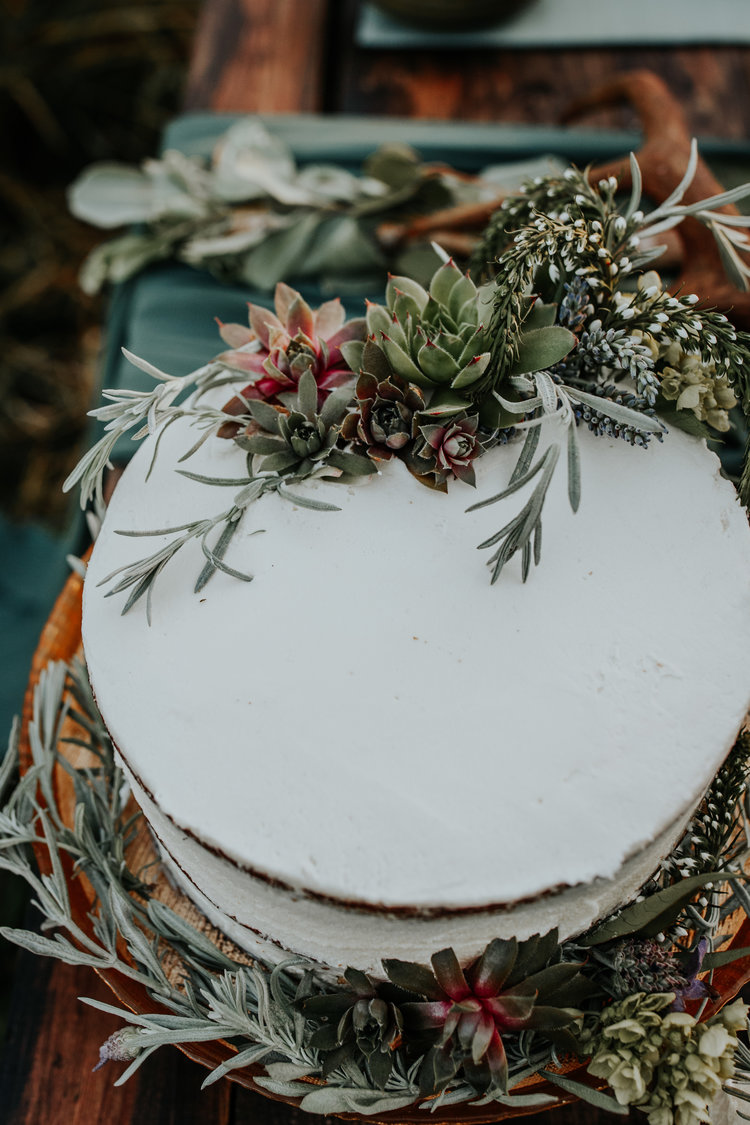 Styled Rustic Elopement // Side Door Cafe Catering // Lincoln City ...