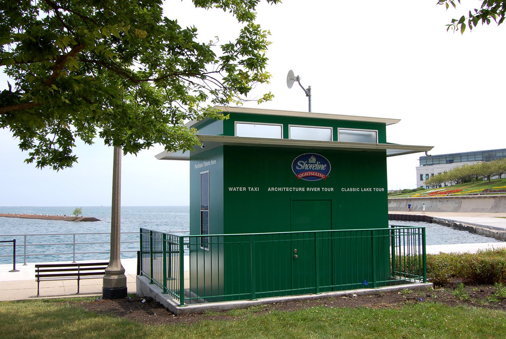 metal ticket booth at Museum Campus for Shoreline Sightseeing