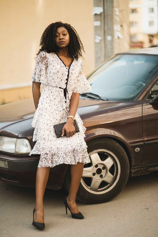 beautiful-woman-car-photoshoot-1537495.jpg