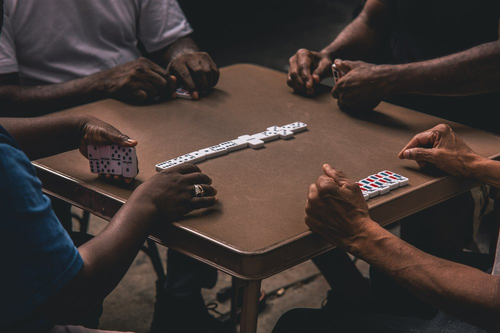 domino-dominoes-games-1543766.jpg