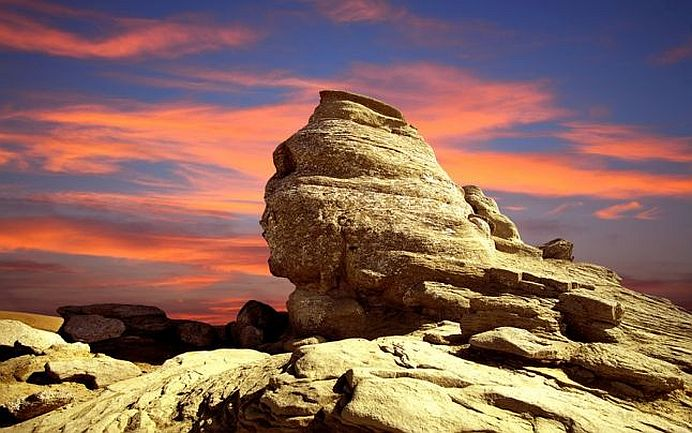 Sphinx Romania.jpg