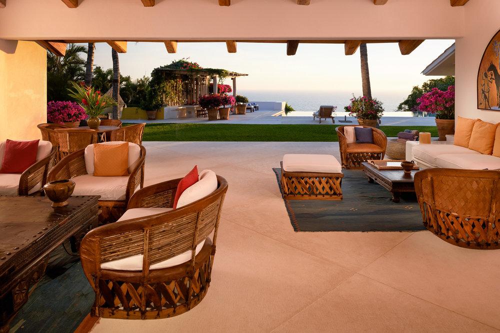 02-Living room at sunset.jpg