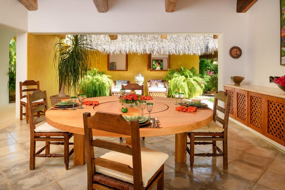 14-Dining room.jpg