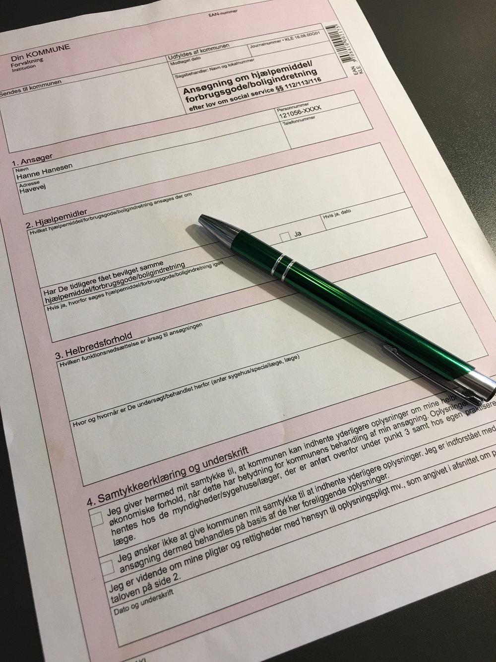ansøgningsskema close up.JPG