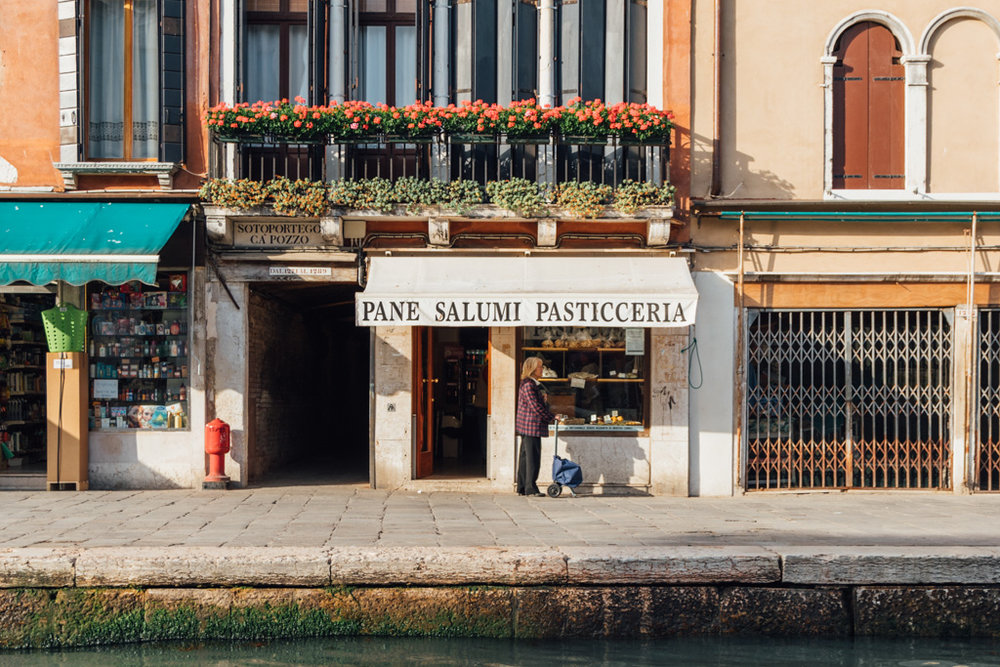 Backpacking Venice - pasticceria