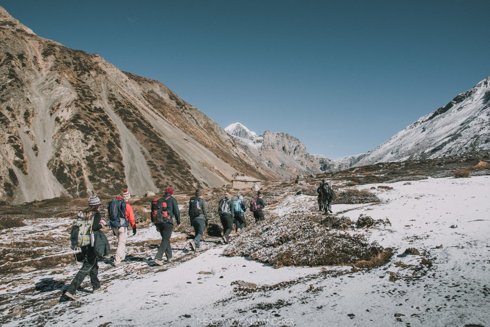 Annapurna Circuit trekking tips - a group navigates through the terrain