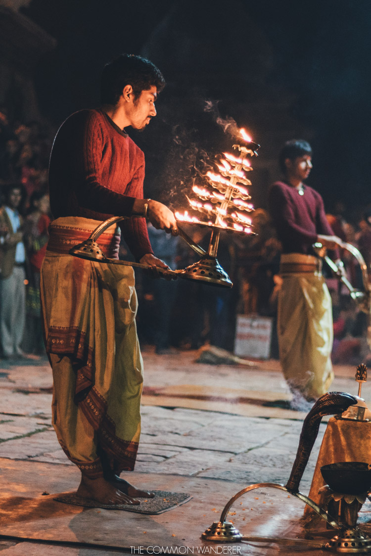 Aarti ceremony - Nepal's Pashupatinath temple